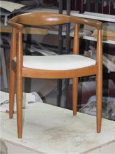 Кресло после реставрации и перетяжки