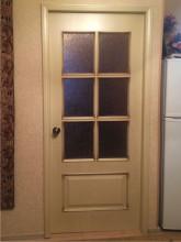 Двери после перекраски  в квартире заказчика.