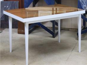 Стол после реставрации и перекраски