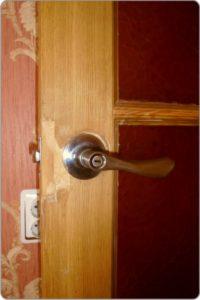 дверь до реставрации